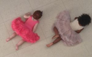 Margot & her cousin Louna doing the 'wiggly worm'