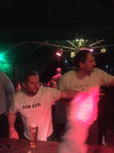 ... and as the evening went on, Brent & Rob show us all how it's done...