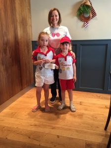 July 2017 - Margot's auntie Nadia presented to Rainbow's(guiding for girls aged 5 to 7 years old). The girls raised £425 for Team Margotby doing odd jobs, such as taking out the rubbish and putting their clothes neatly away